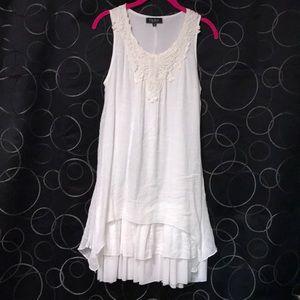 Cute white Papillon Blanc dress!!